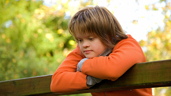 Қуёш ва ёмғир болалари: Аутизм ҳамда Даун синдроми қандай касаллик?